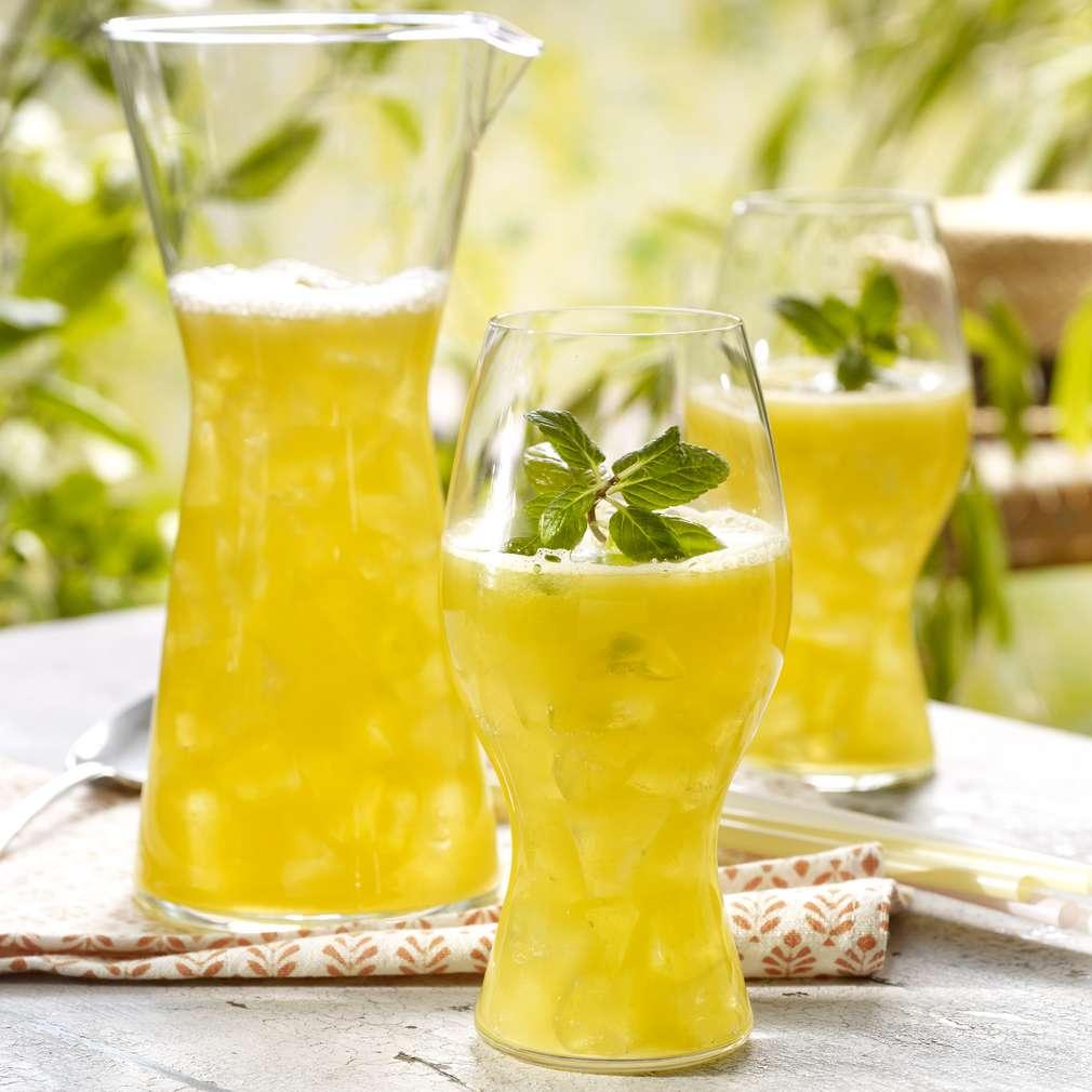 Imaginea rețetei Limonadă cu mango şi portocale