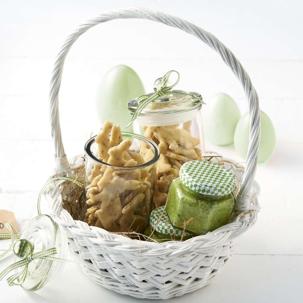 Abbildung des Rezepts Homemade Kräuternudeln mit Frühlingszwiebel-Pesto