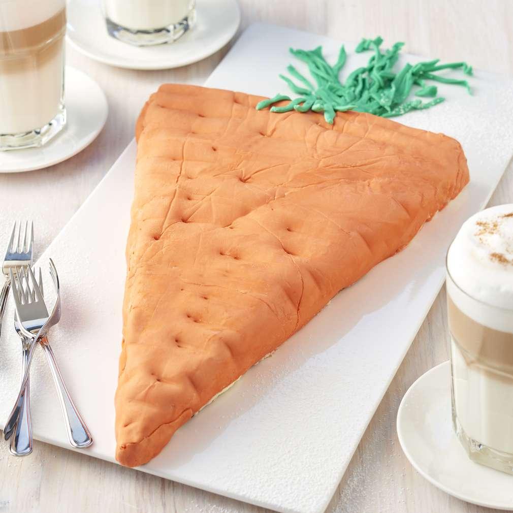 Zdjęcie przepisu Wielkanocne ciasto w kształcie marchewki