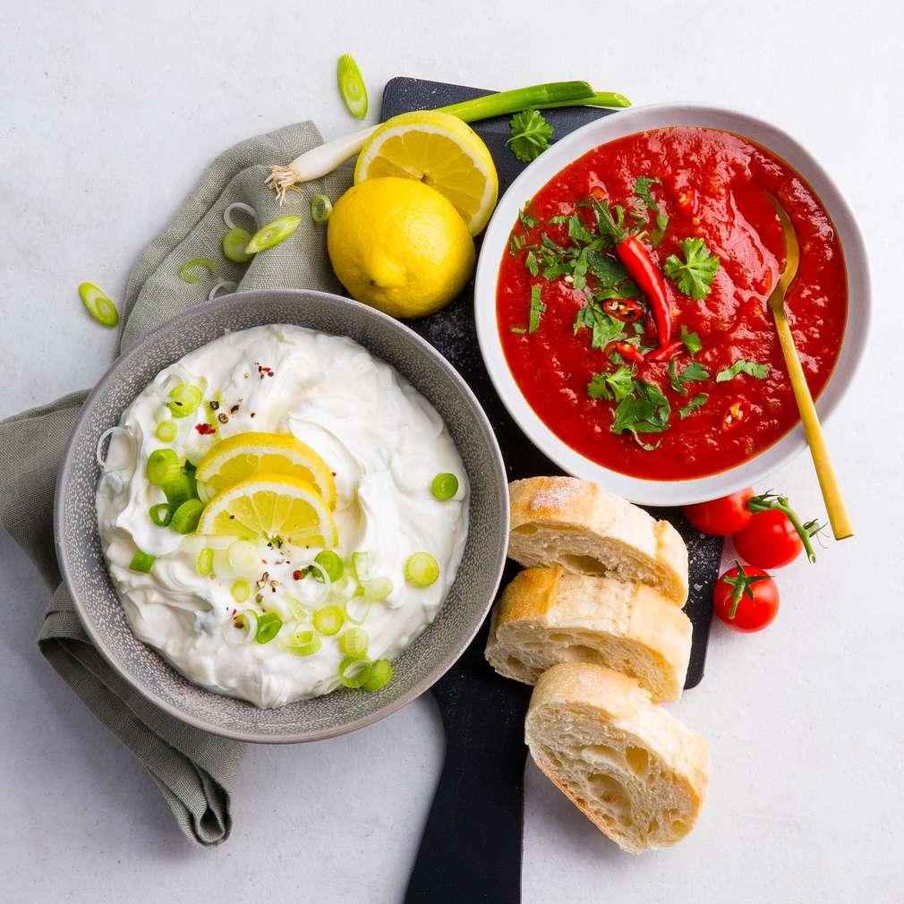 Abbildung des Rezepts Salsa- und Sour-Cream-Dip-Duo