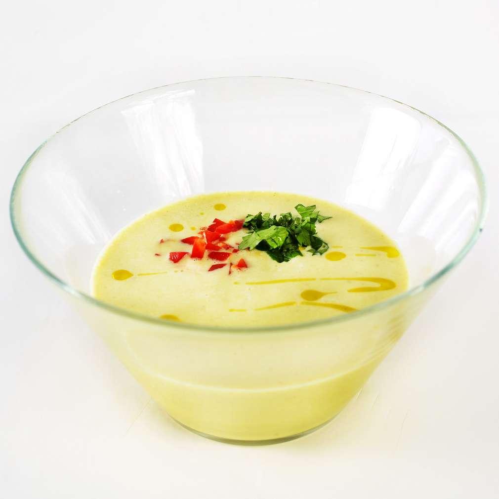 Supă raw vegan de cocos