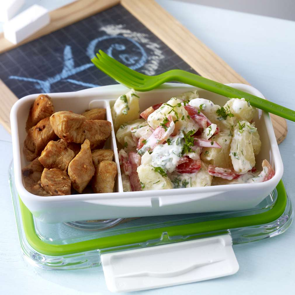 Fotografija recepta Krumpir-salata s purećim kockicama