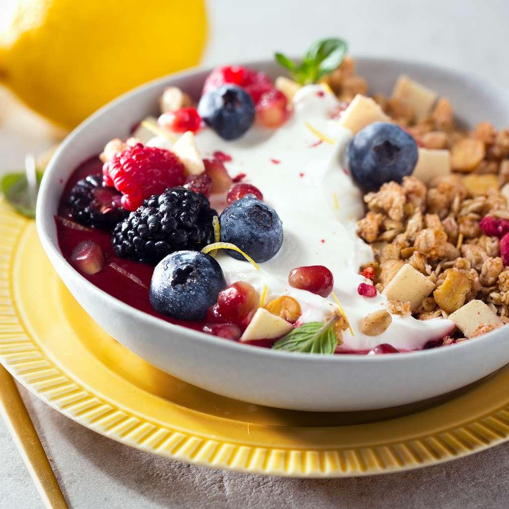 Abbildung des Rezepts Joghurt-Beeren-Smoothiebowl