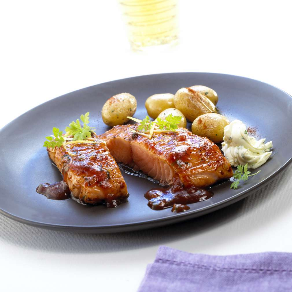 Abbildung des Rezepts Eismeer-Lachsforellen-Filet BBQ mit Country-Potatoes