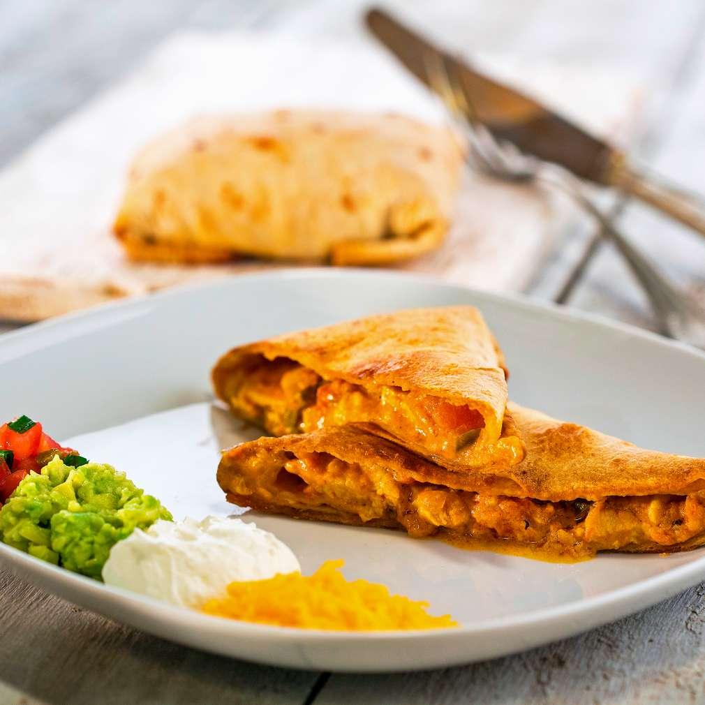 Изобразяване на рецептата Печена чимичанга с пилешко