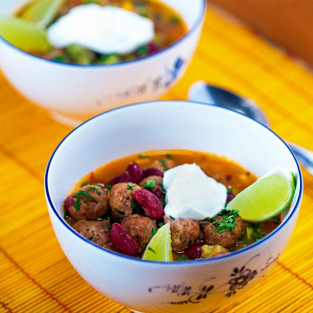 Изобразяване на рецептата Супа топчета по мексикански
