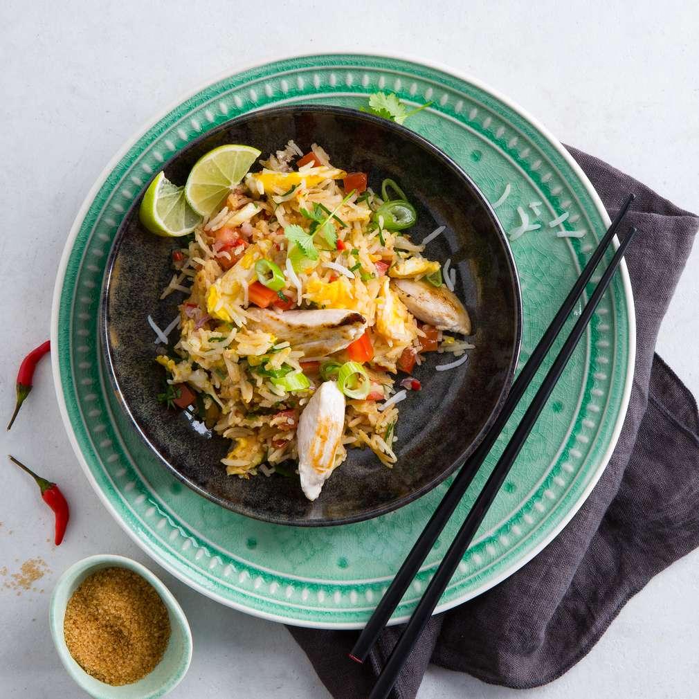 Abbildung des Rezepts Khao Pad - gebratener Reis mit Hühnchen