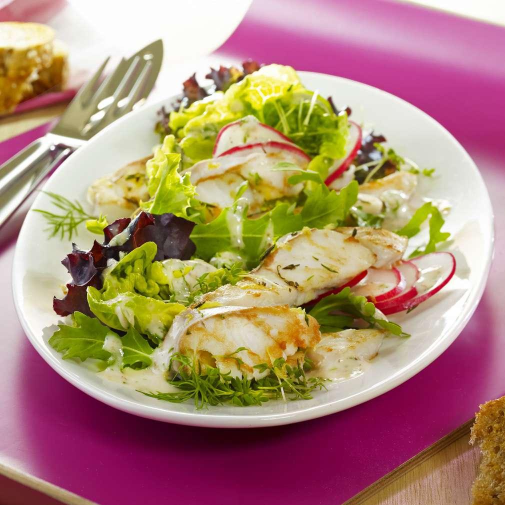 Abbildung des Rezepts Fitness-Salat mit Seelachsstreifen