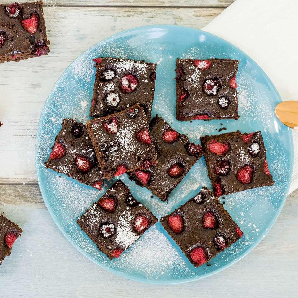 Zobrazenie receptu Hrnčekový kakaový koláč s lesným ovocím