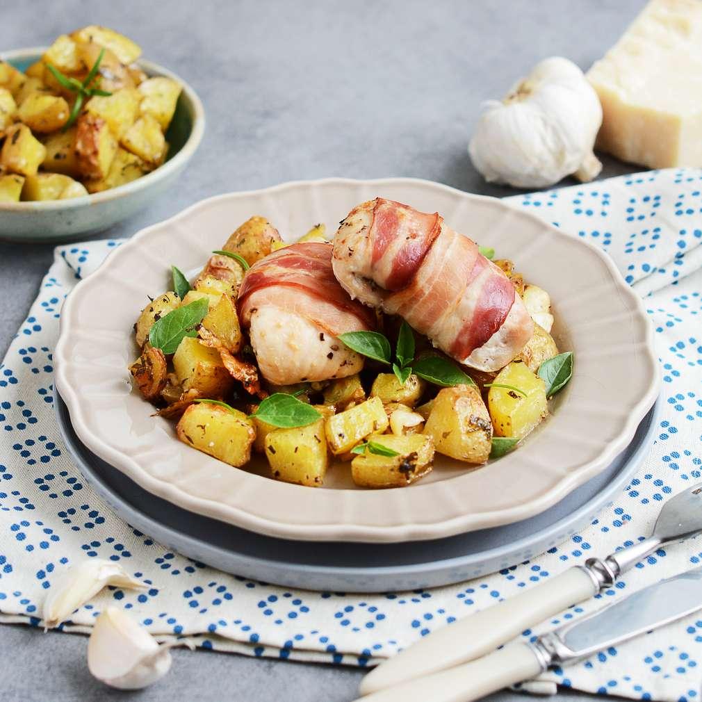 Zobrazenie receptu Kuracie v slaninke s bylinkovo-parmezánovými zemiakmi