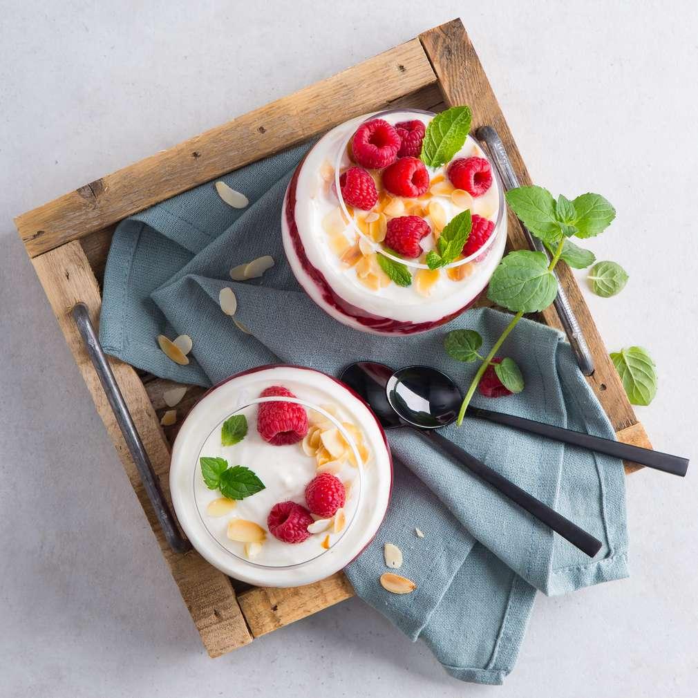 Abbildung des Rezepts Schichtdessert mit Himbeeren und Joghurt
