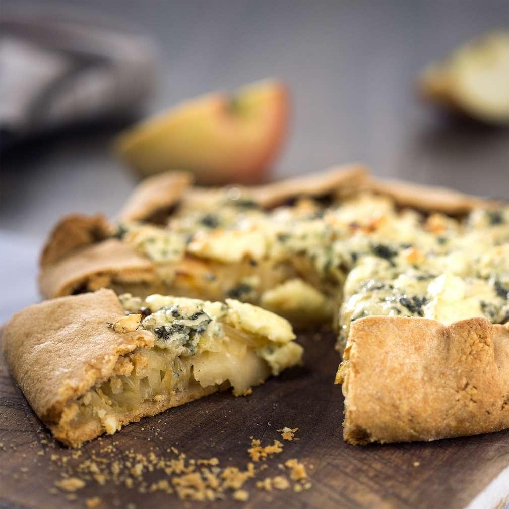 Изобразяване на рецептата Галет с ябълки, резене и синьо сирене