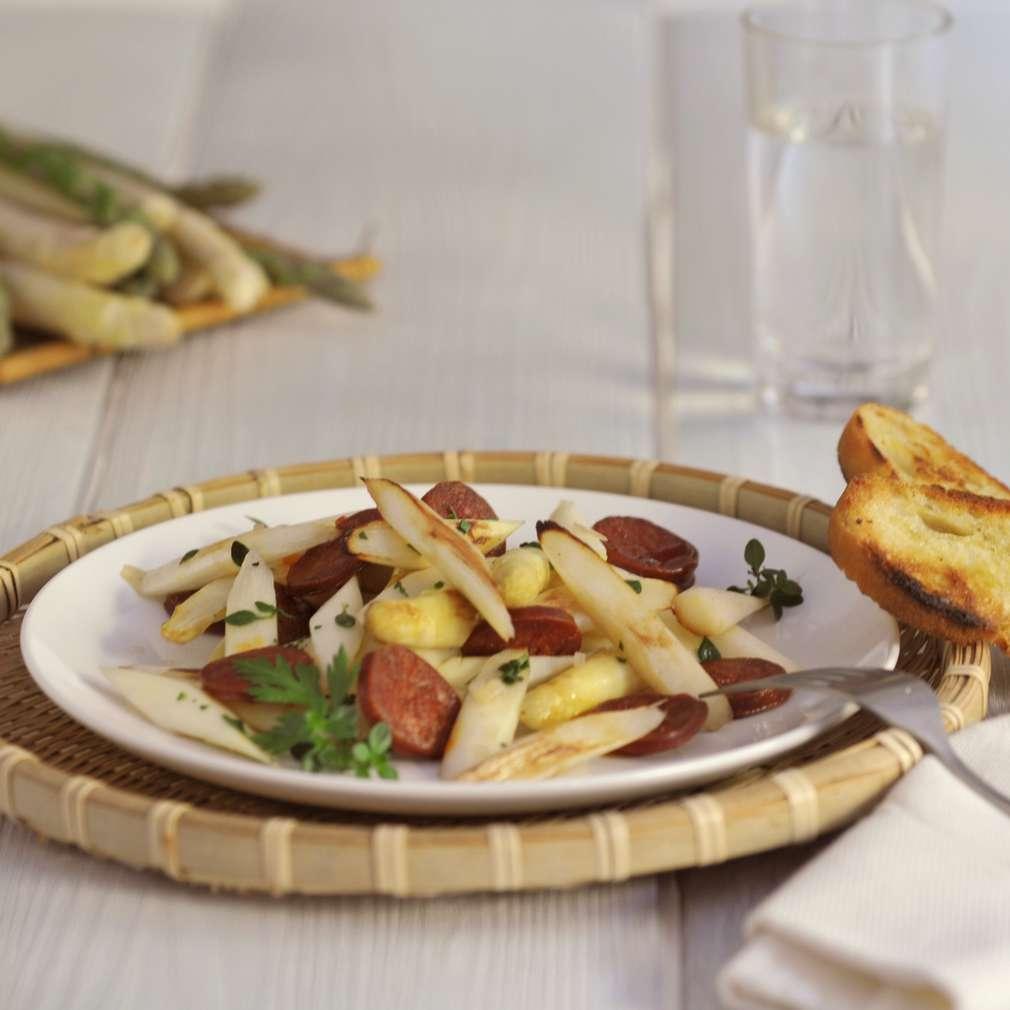 Abbildung des Rezepts Gebratener Spargel mit Chorizo und Sherry