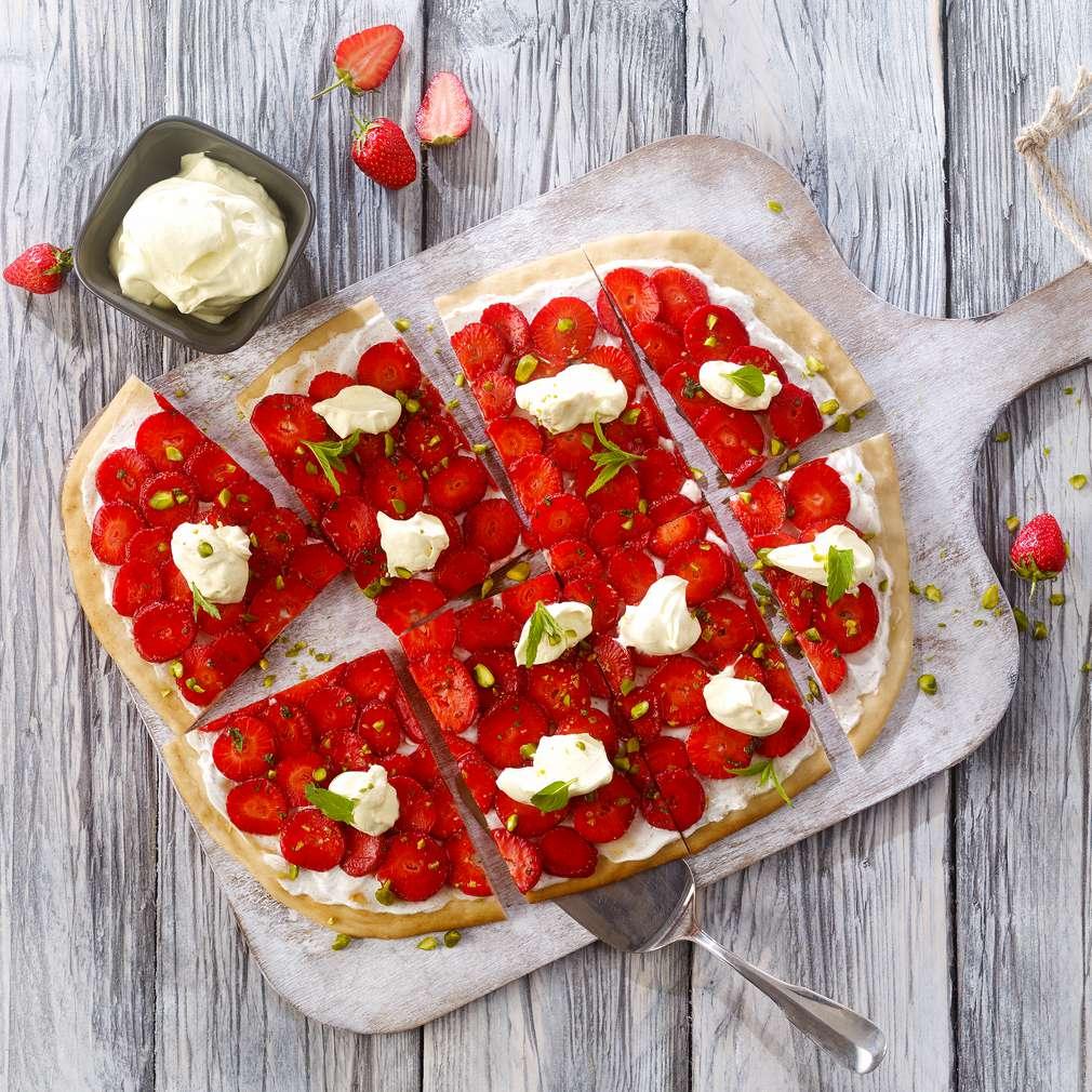 Abbildung des Rezepts Erdbeerflammkuchen