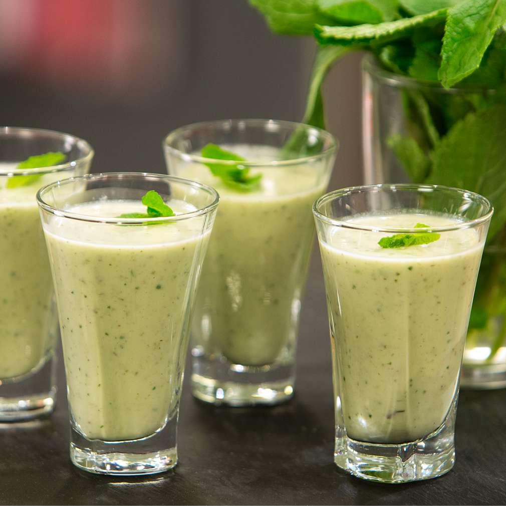 Изобразяване на рецептата Студена супа от авокадо с мента