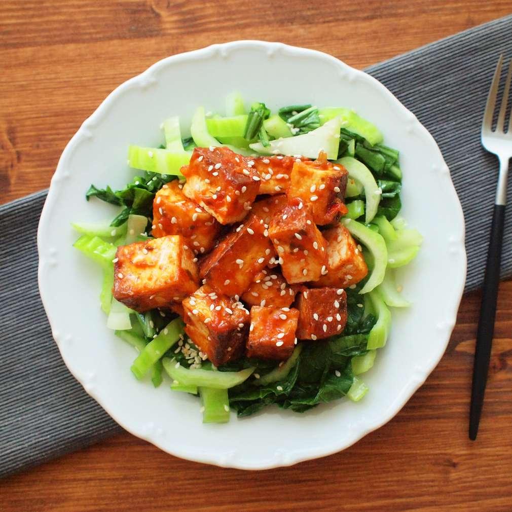 Zobrazit Chilli tofu s pak choi receptů