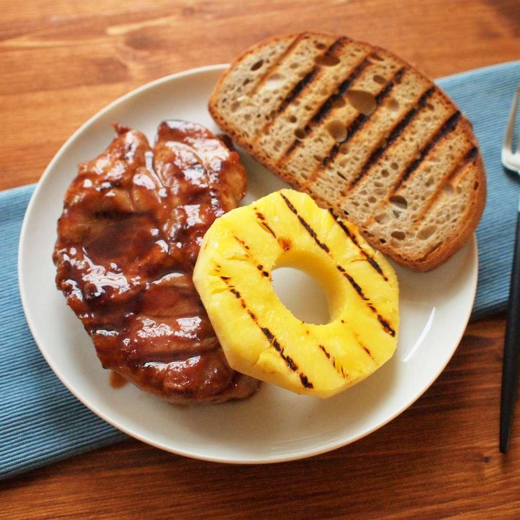 Zobrazit Marinovaná krkovička s grilovaným ananasem receptů