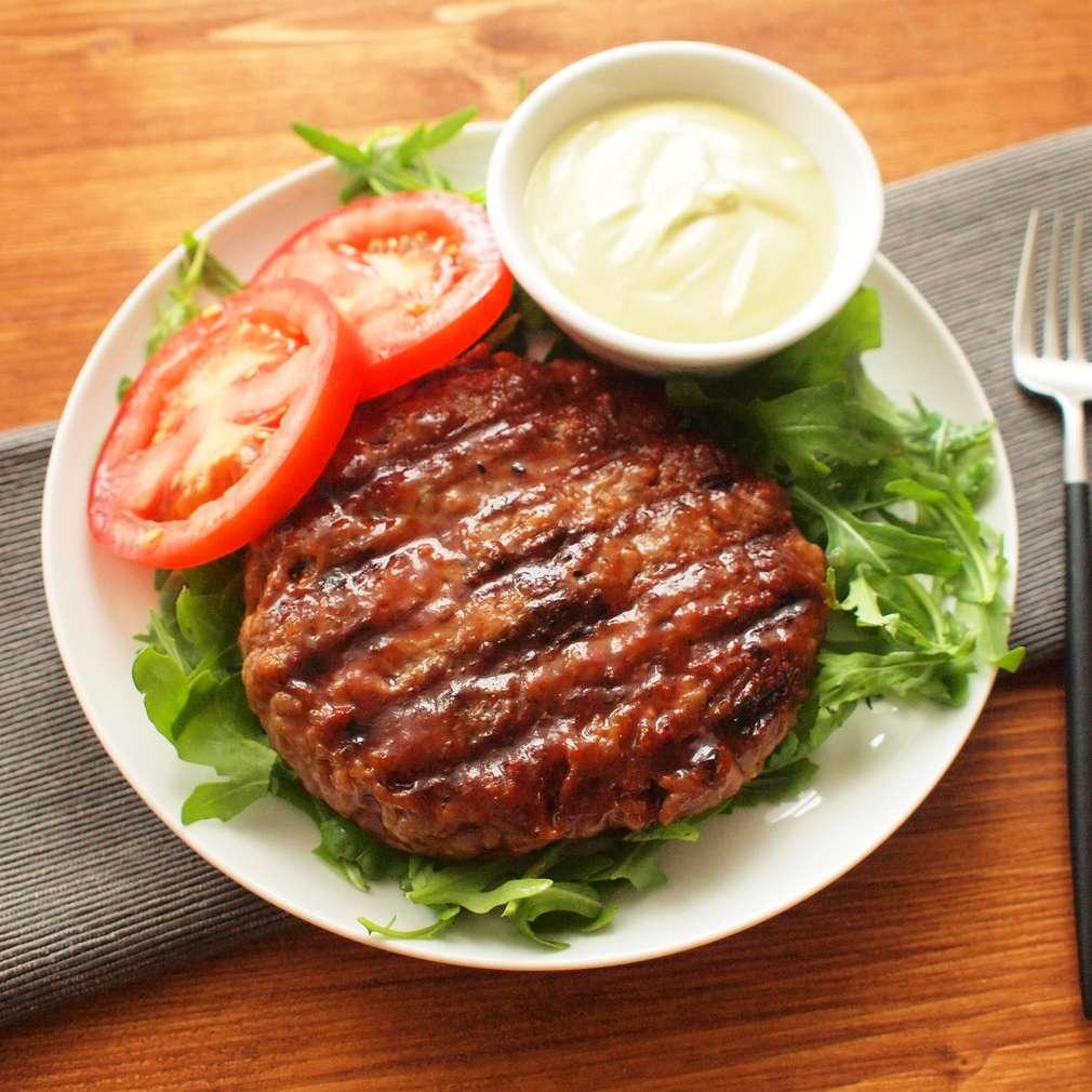 Zobrazit Naked burger s pepřovou majonézou receptů