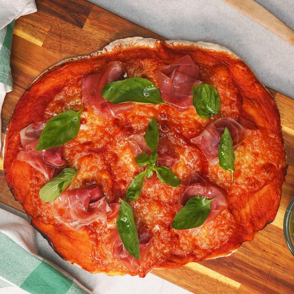 Изобразяване на рецептата Пица с прошуто