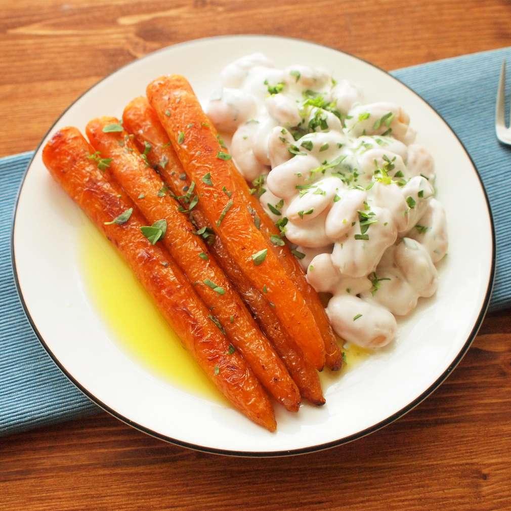 Zobrazit Pečená mrkev s fazolovým salátem receptů