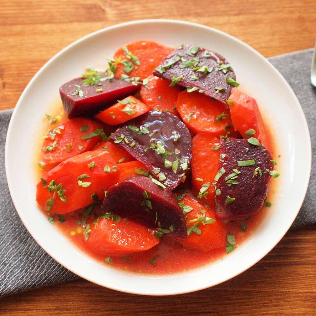 Zobrazit Dušená mrkev s červenou řepou receptů