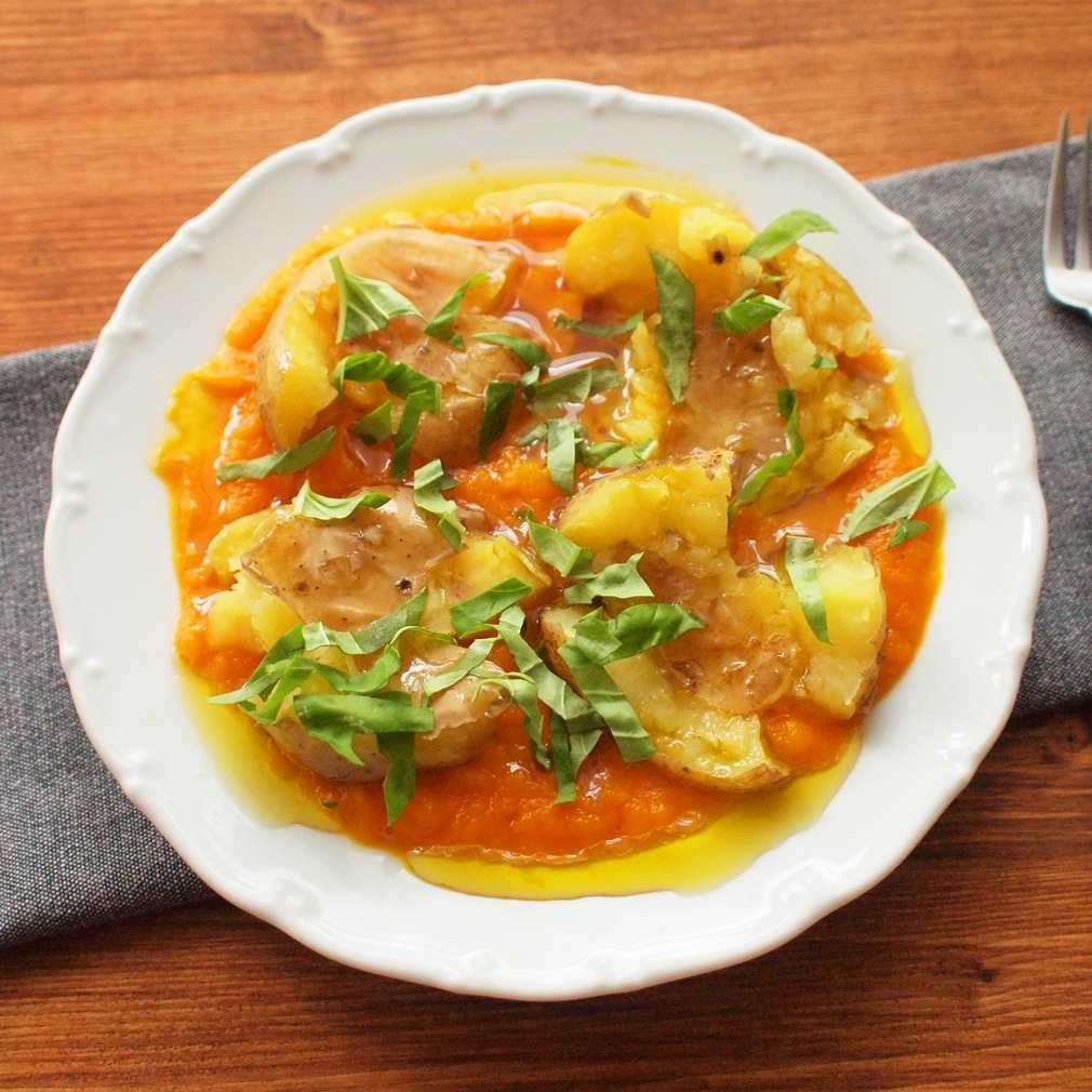 Zobrazit Mrkvové pyré s rozmačkanými bramborami receptů