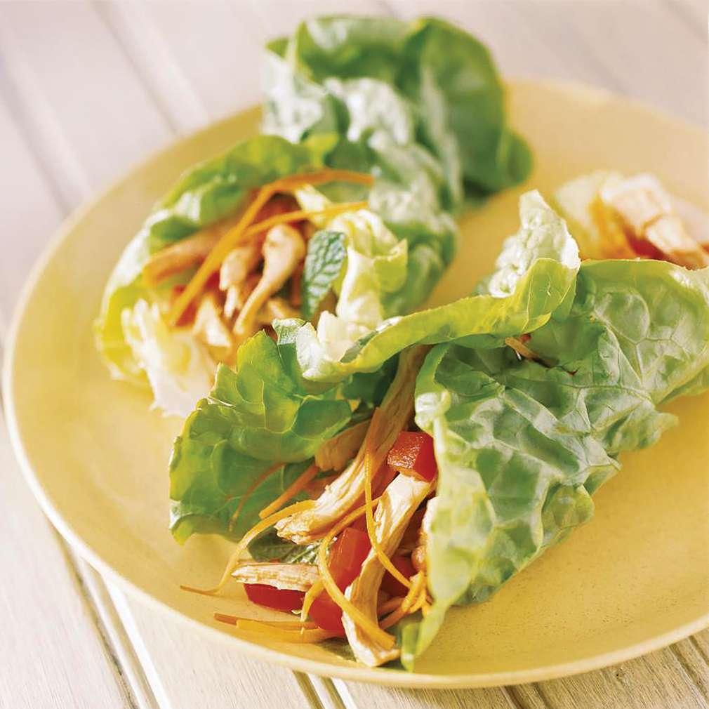 Imaginea rețetei Rulouri cu pui și salată