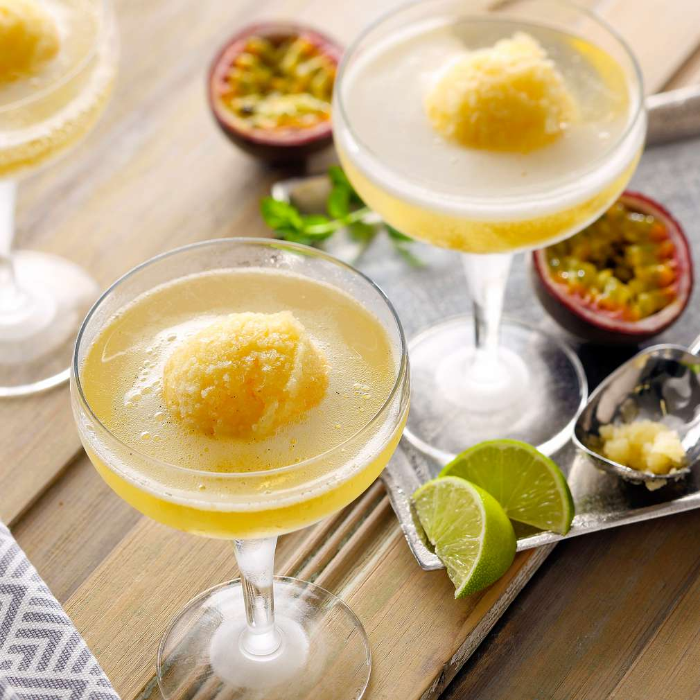 Abbildung des Rezepts Maracuja-Sorbet mit Champagner
