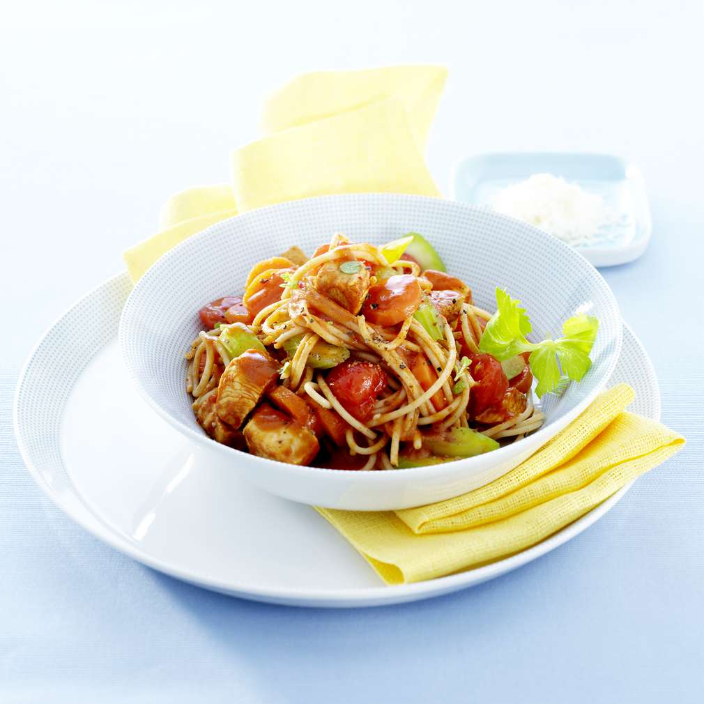 Zobrazit Lehké kuřecí ragú s těstovinami receptů