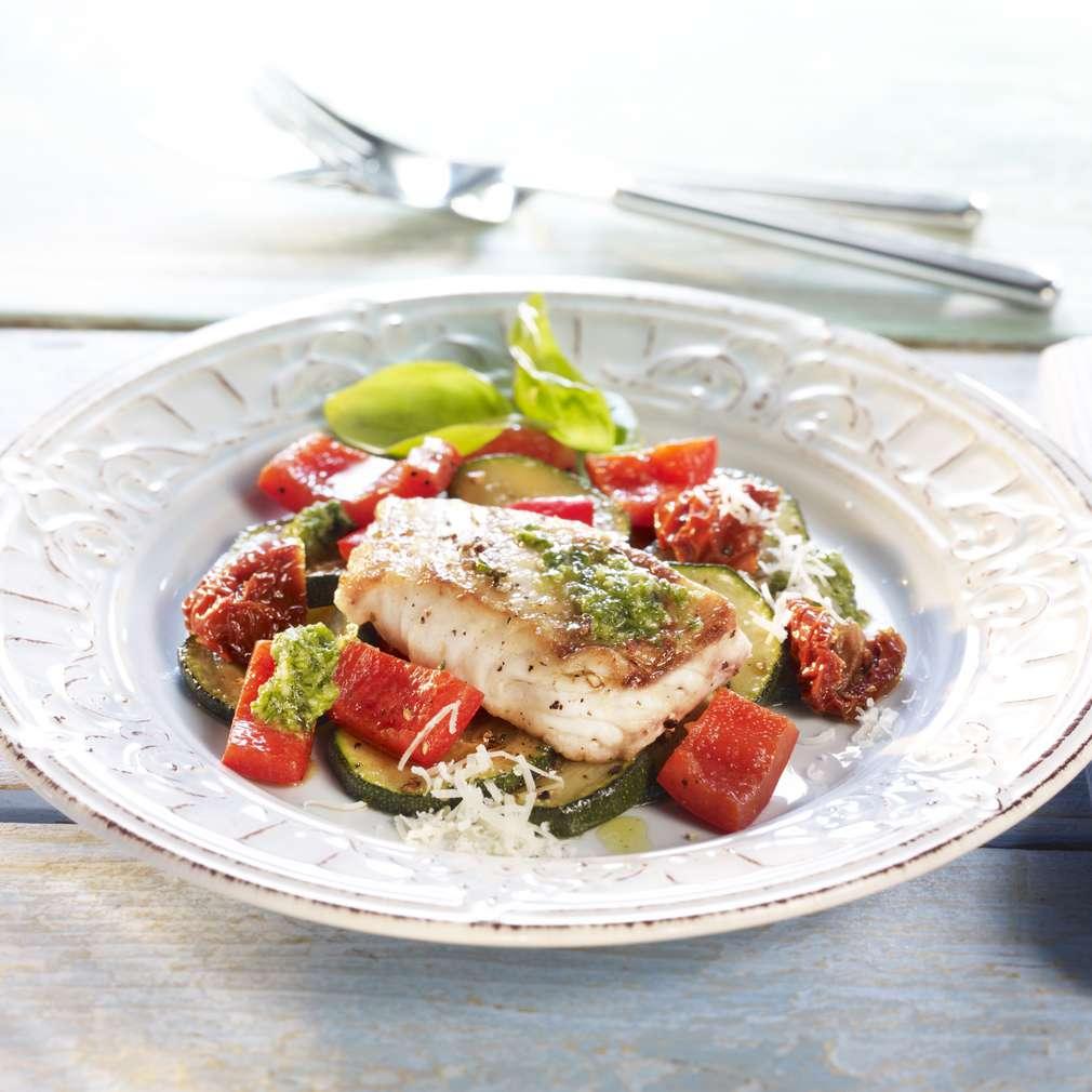 Zobrazit Rybí filé s letním pestem a provensálskou zeleninou receptů