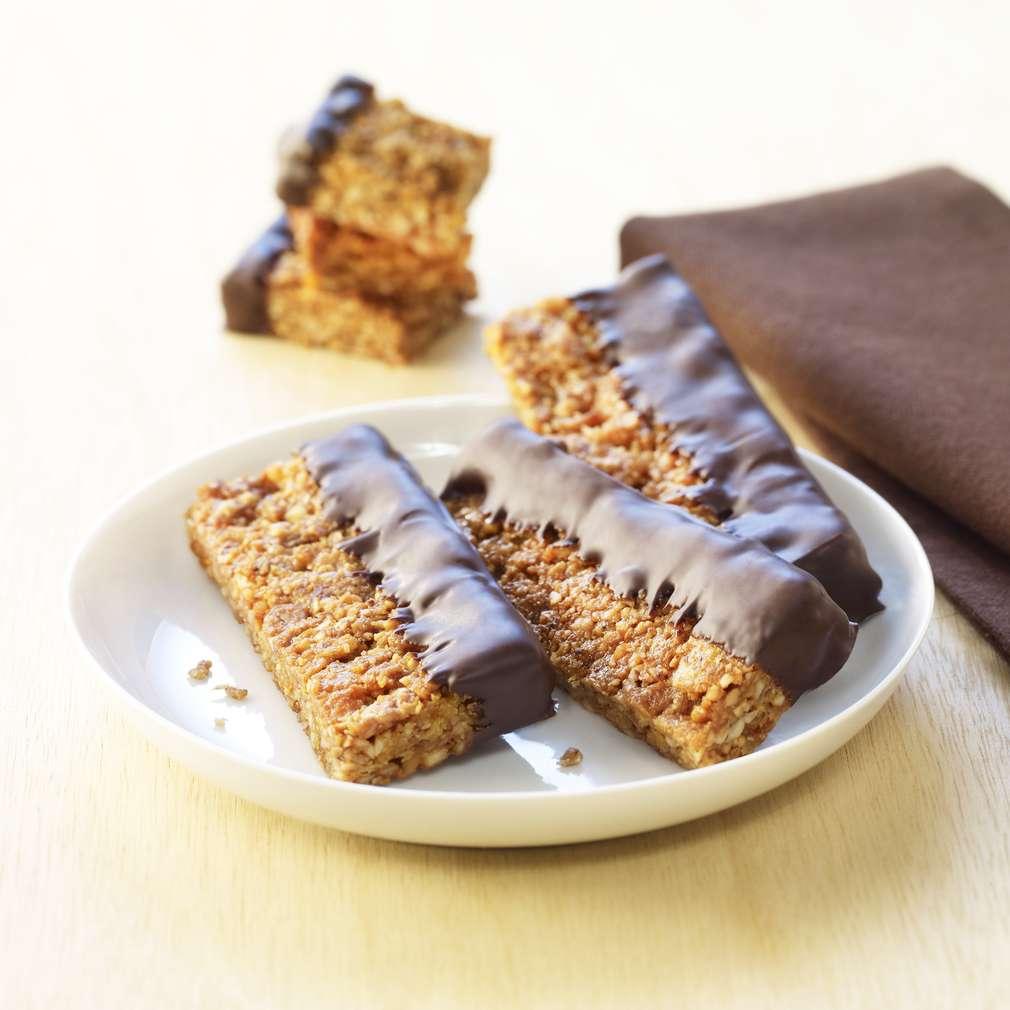 Zobrazit Ořechové tyčinky s čokoládovou polevou receptů