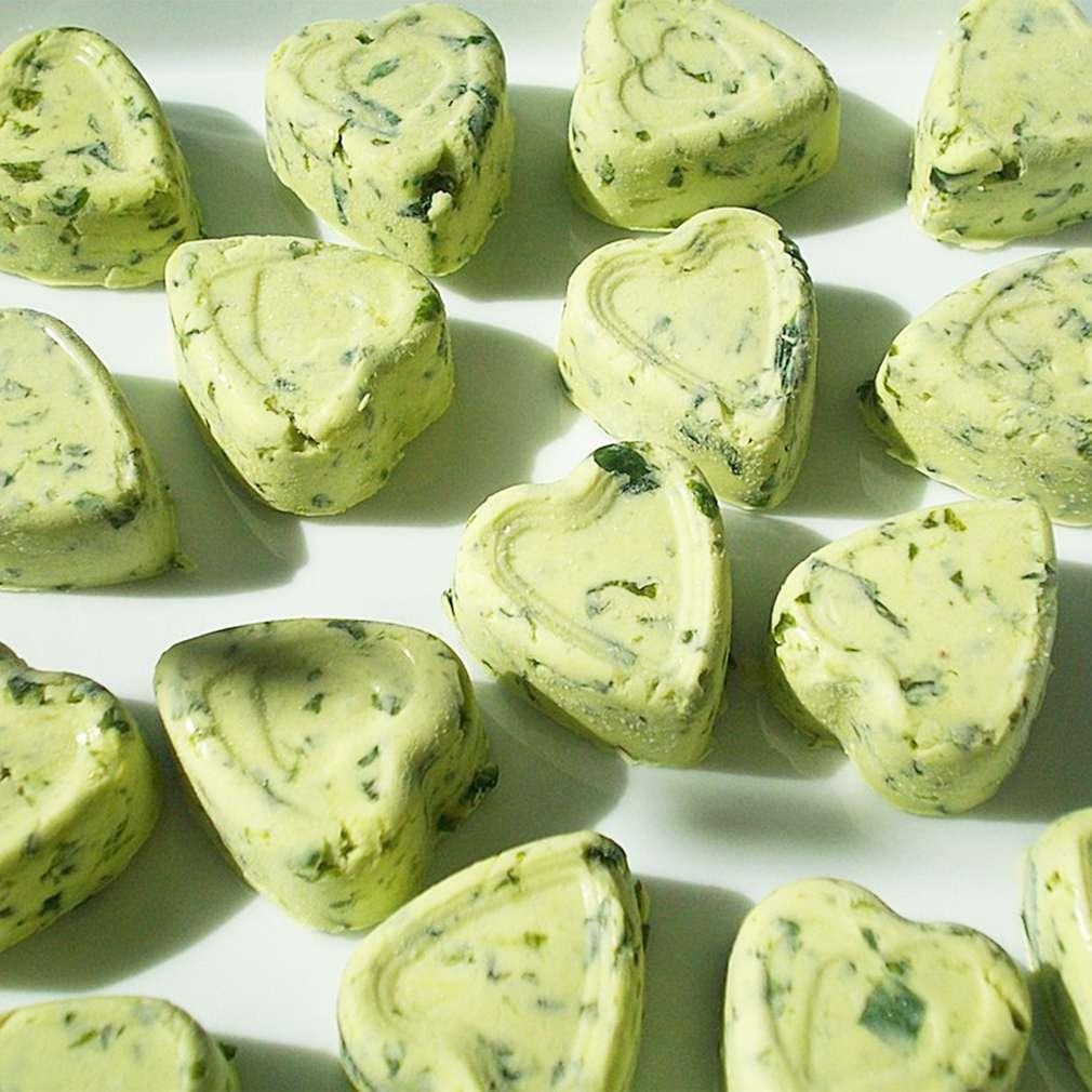Zobrazit Pomazánkové máslo s medvědím česnekem receptů