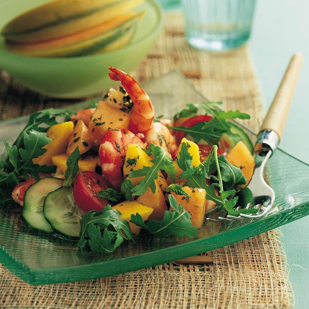 Salată de creveți, pepene și mango