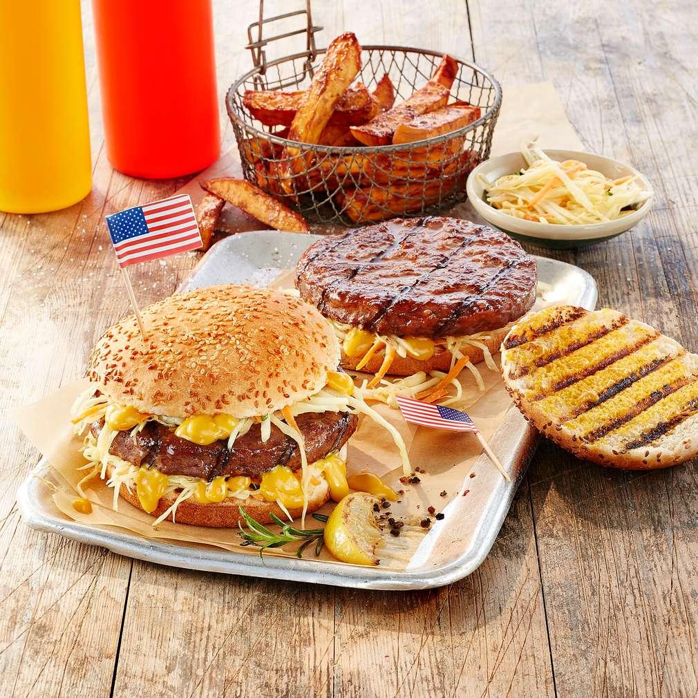 Imaginea rețetei Burgeri americani cu sos de muștar picant