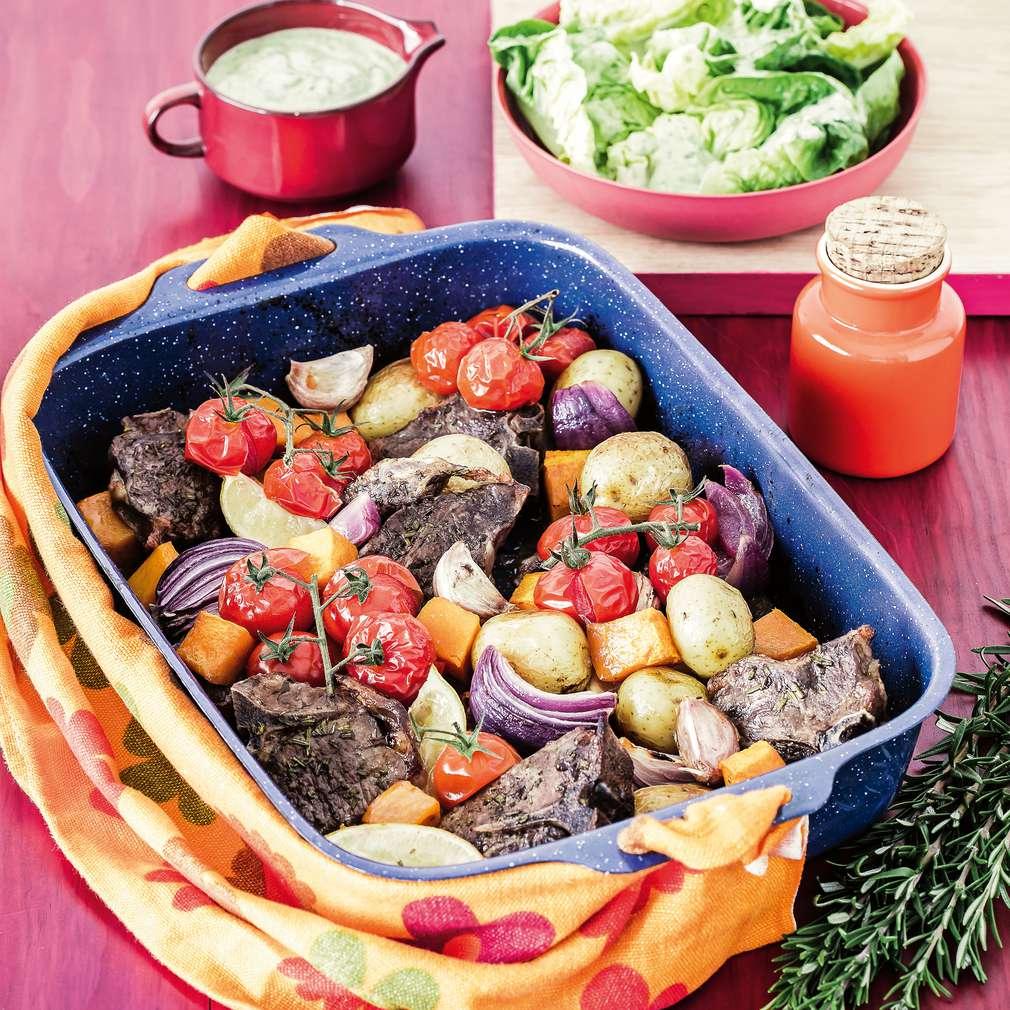Imaginea rețetei Miel la tavă cu legume aromate