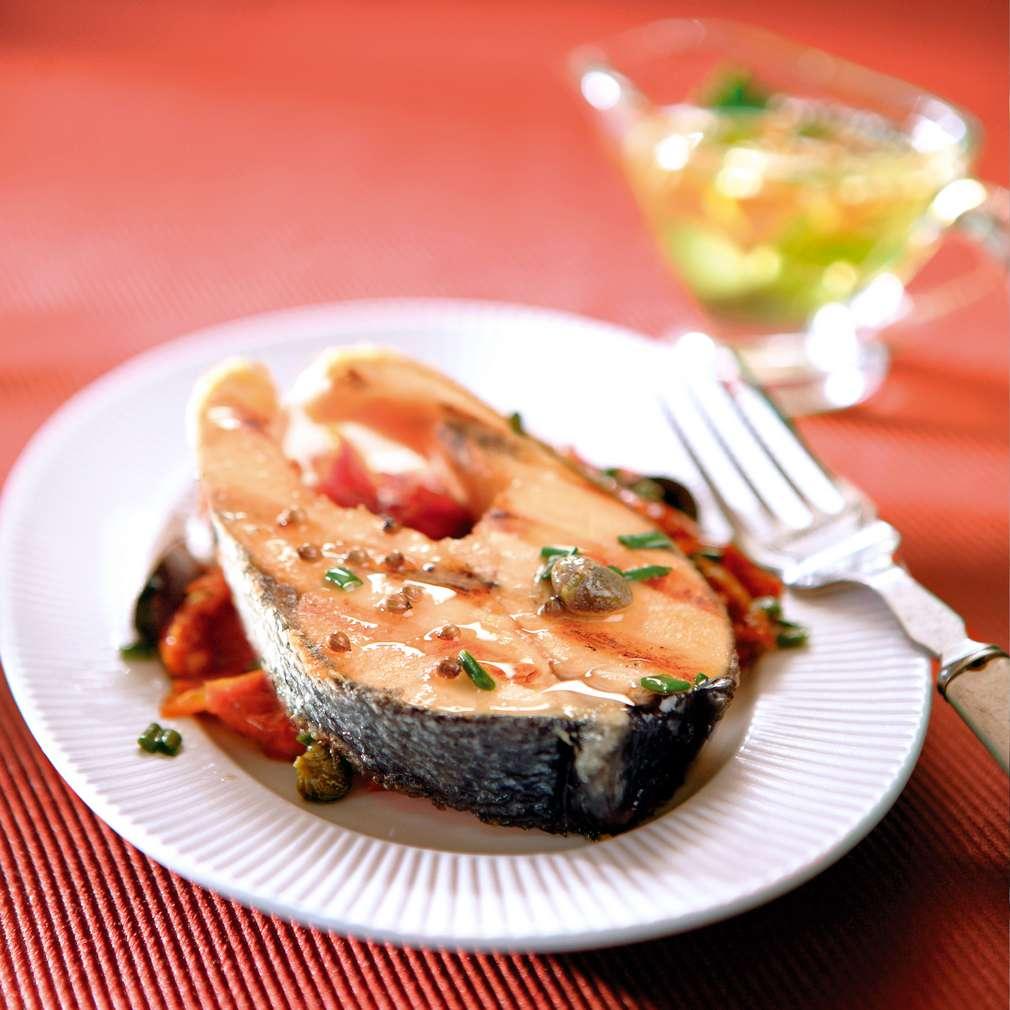Изобразяване на рецептата Сьомга с мариновани домати и маслиново масло