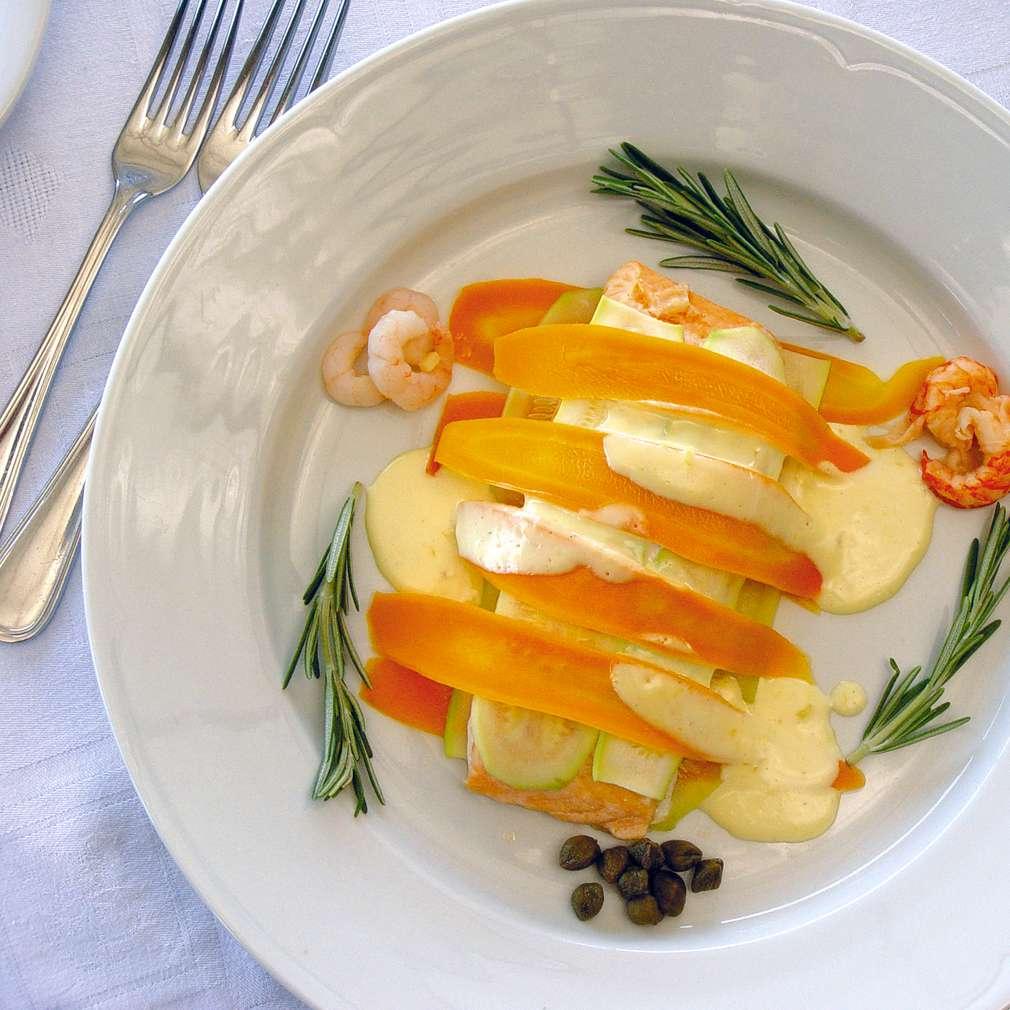 Изобразяване на рецептата Филе от сьомгова пъстърва със зеленчуци на пара