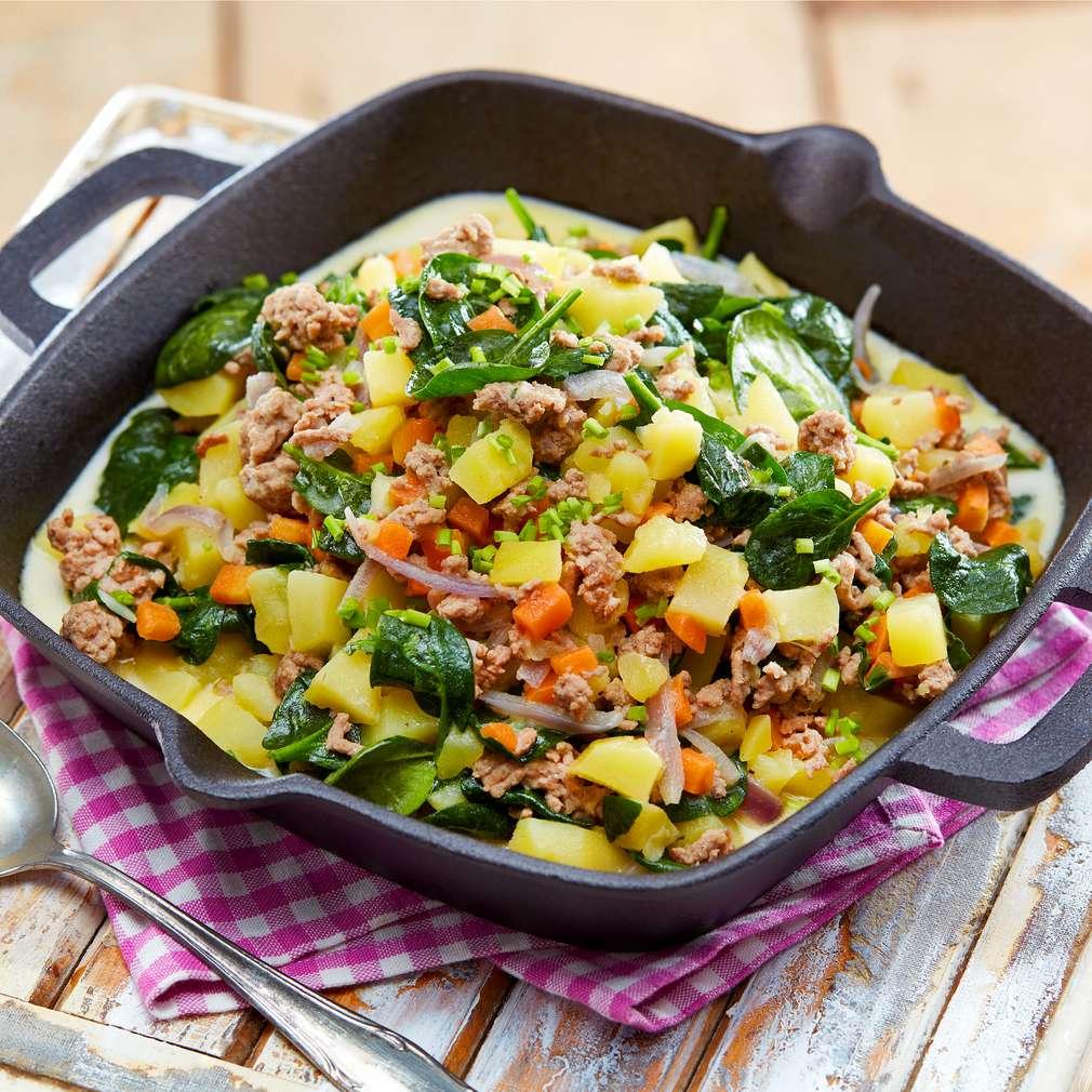 Abbildung des Rezepts Hackfleisch-Kartoffel-Pfanne mit buntem Gemüse