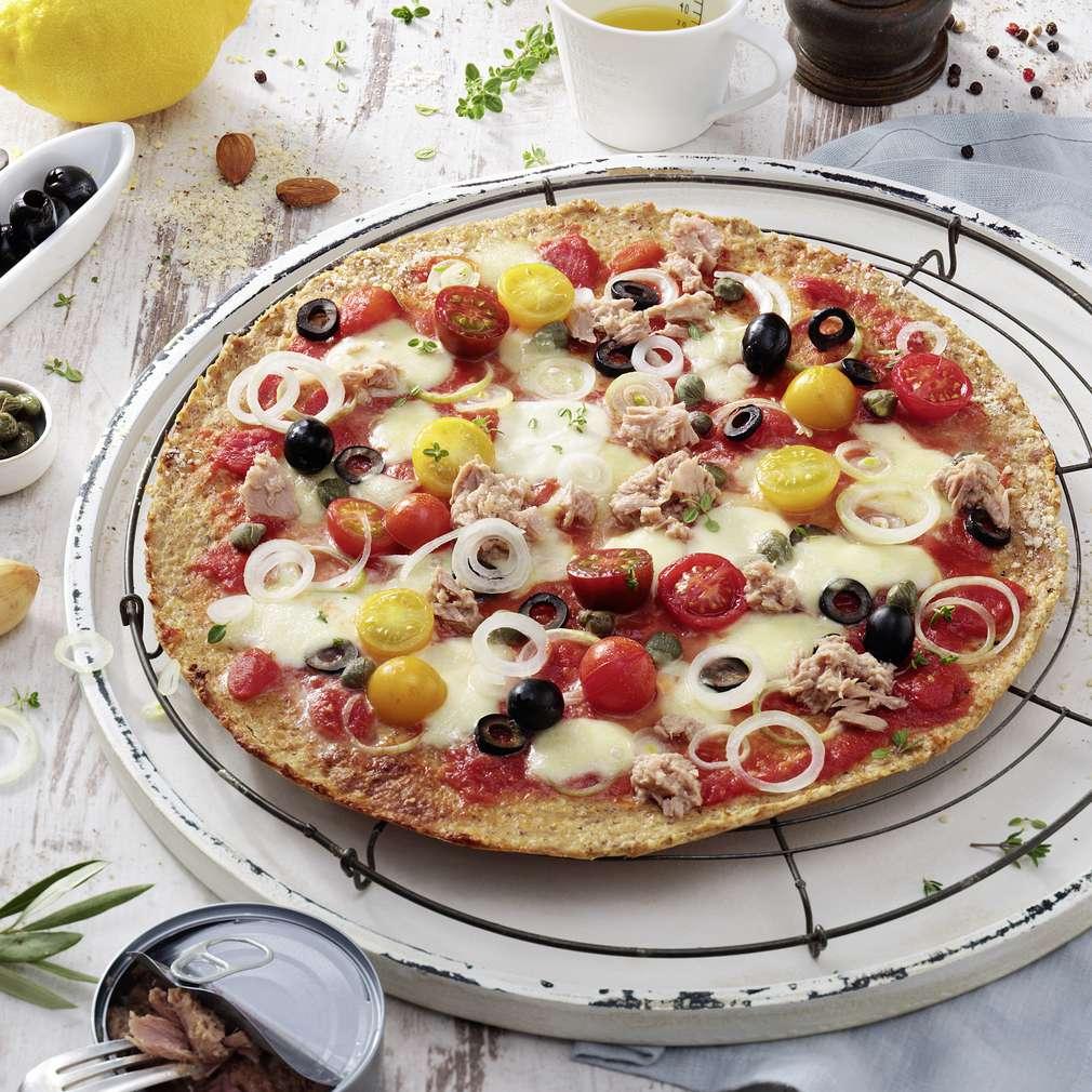 Imaginea rețetei Pizza cu ton și capere