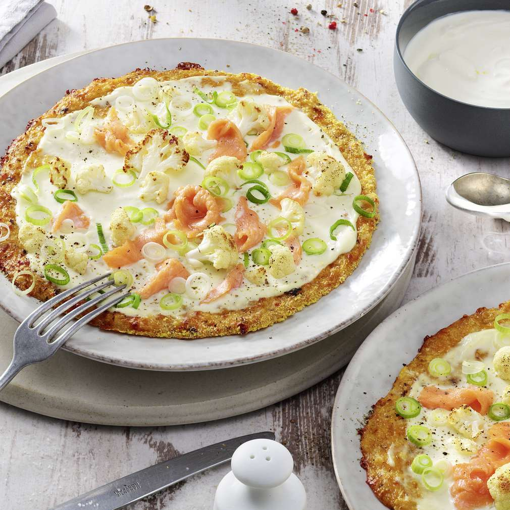 "Abbildung des Rezepts Blumenkohl-Pizza ""Salmone"""