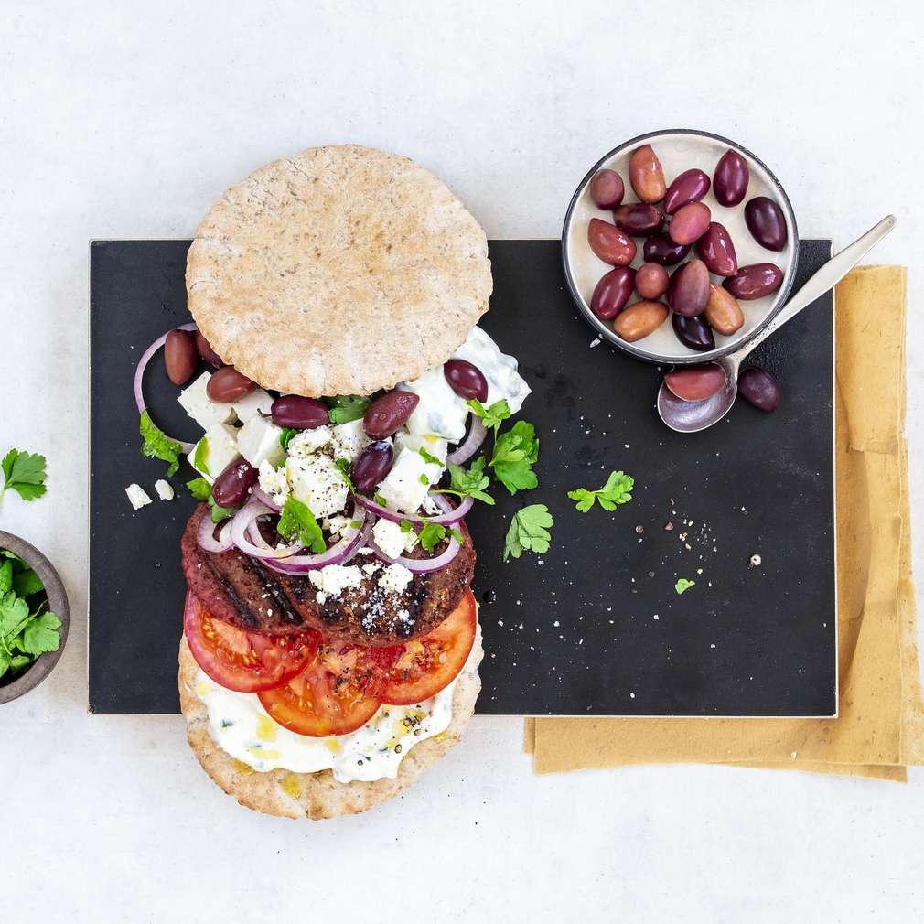 Imaginea rețetei Beyond Burger în stil grecesc