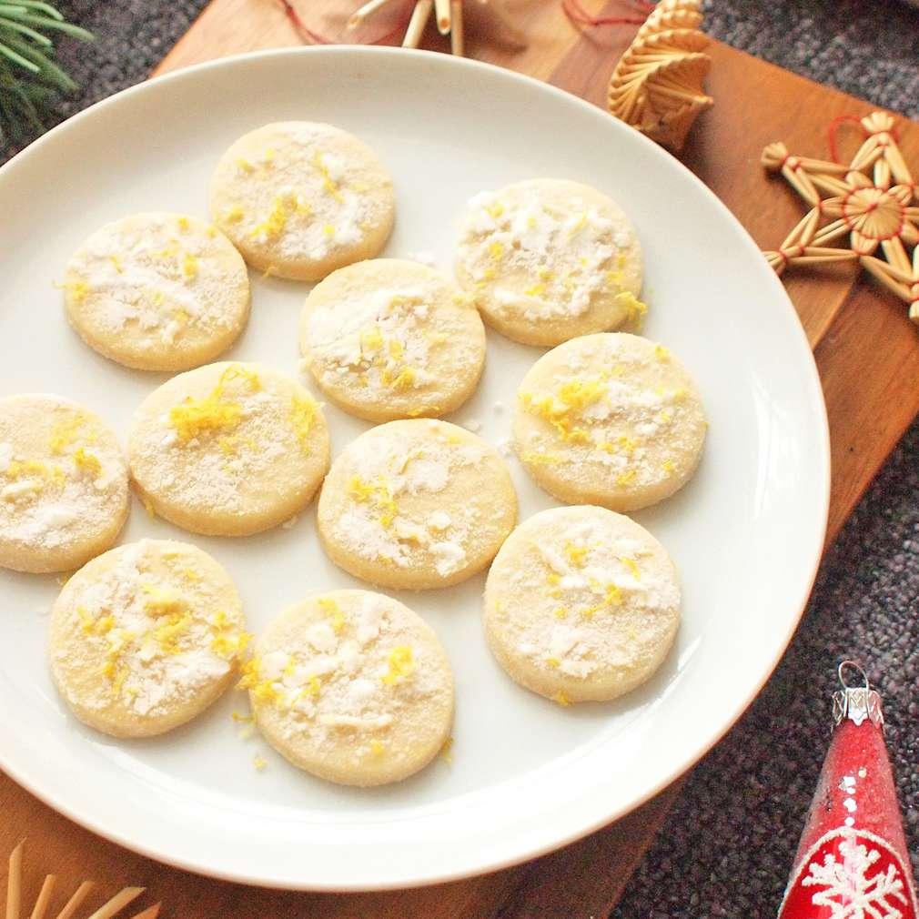 Zobrazit Citrónové máslové sušenky receptů