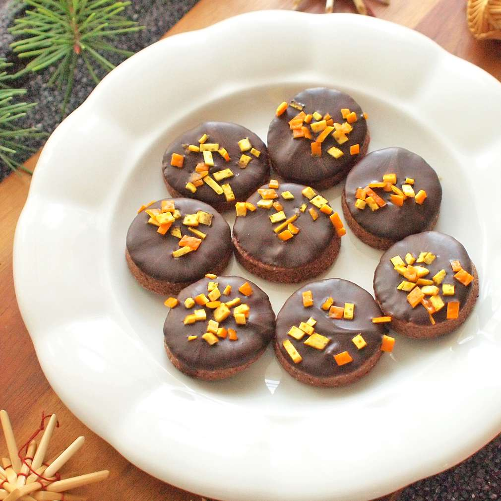 Zobrazit Kakaová kolečka s pomerančovou kůrou receptů