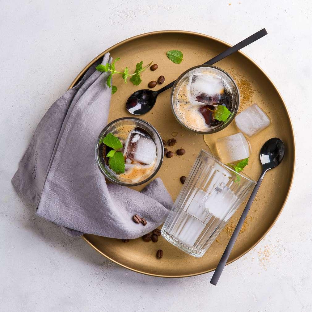 """Abbildung des Rezepts """"Sparkling Espresso"""" mit Minze"""
