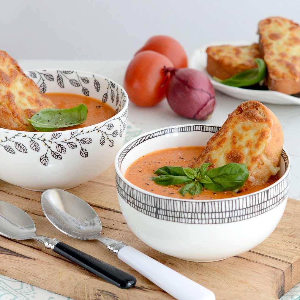 Zobrazenie receptu Polievka z pečených paradajok a bazalkového pesta