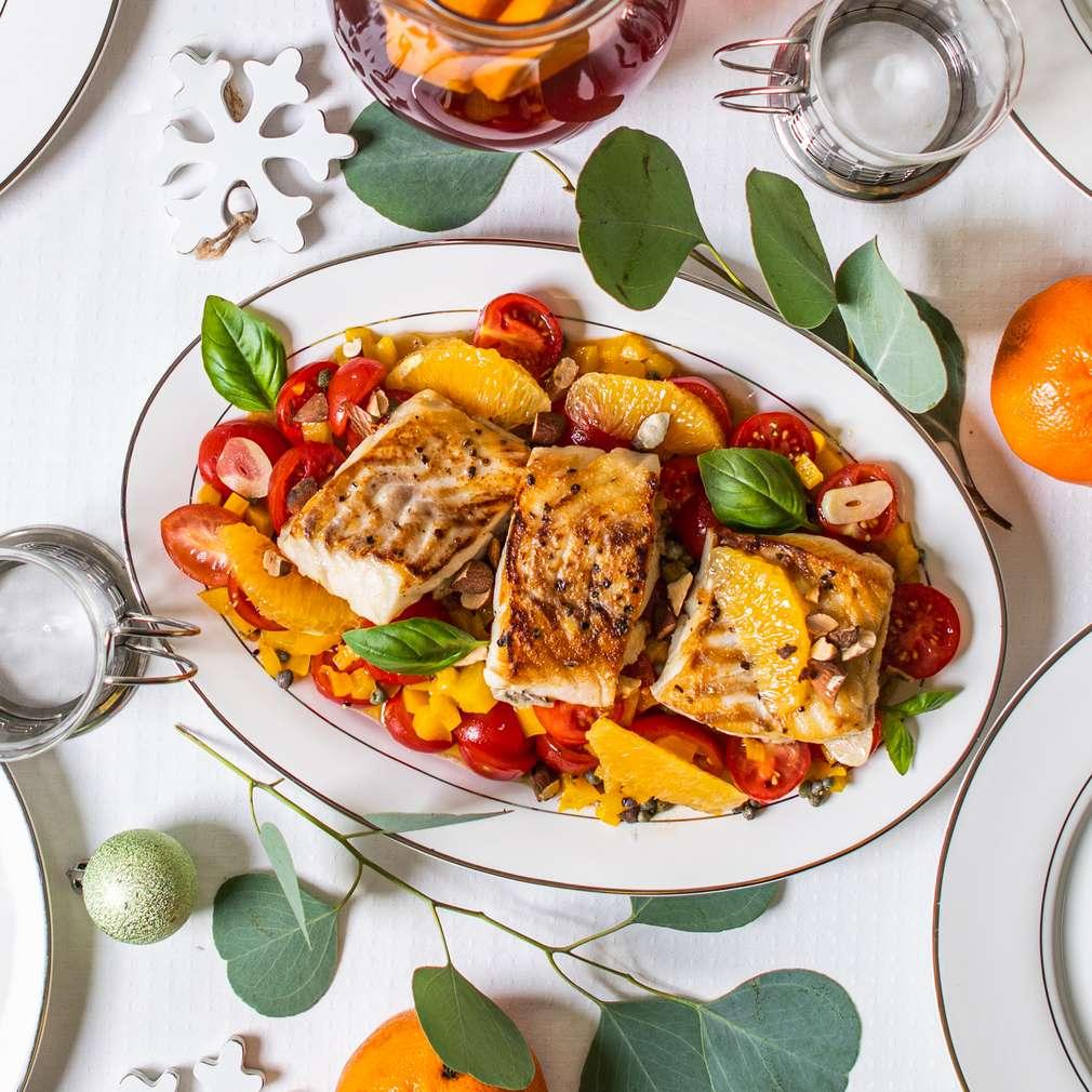 Zdjęcie przepisu Polędwica z dorsza z pomarańczową salsą paprykowo-pomidorową