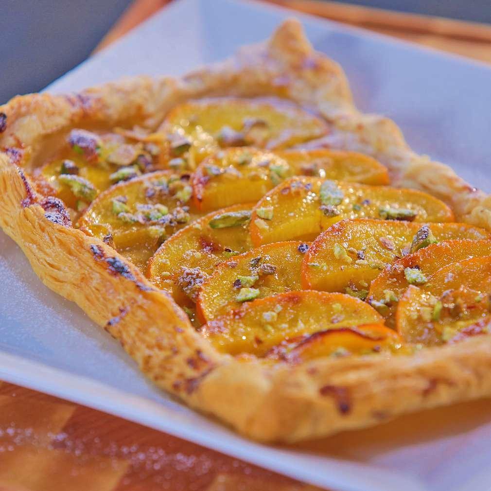 Zobrazit Kaki koláč z listového těsta receptů