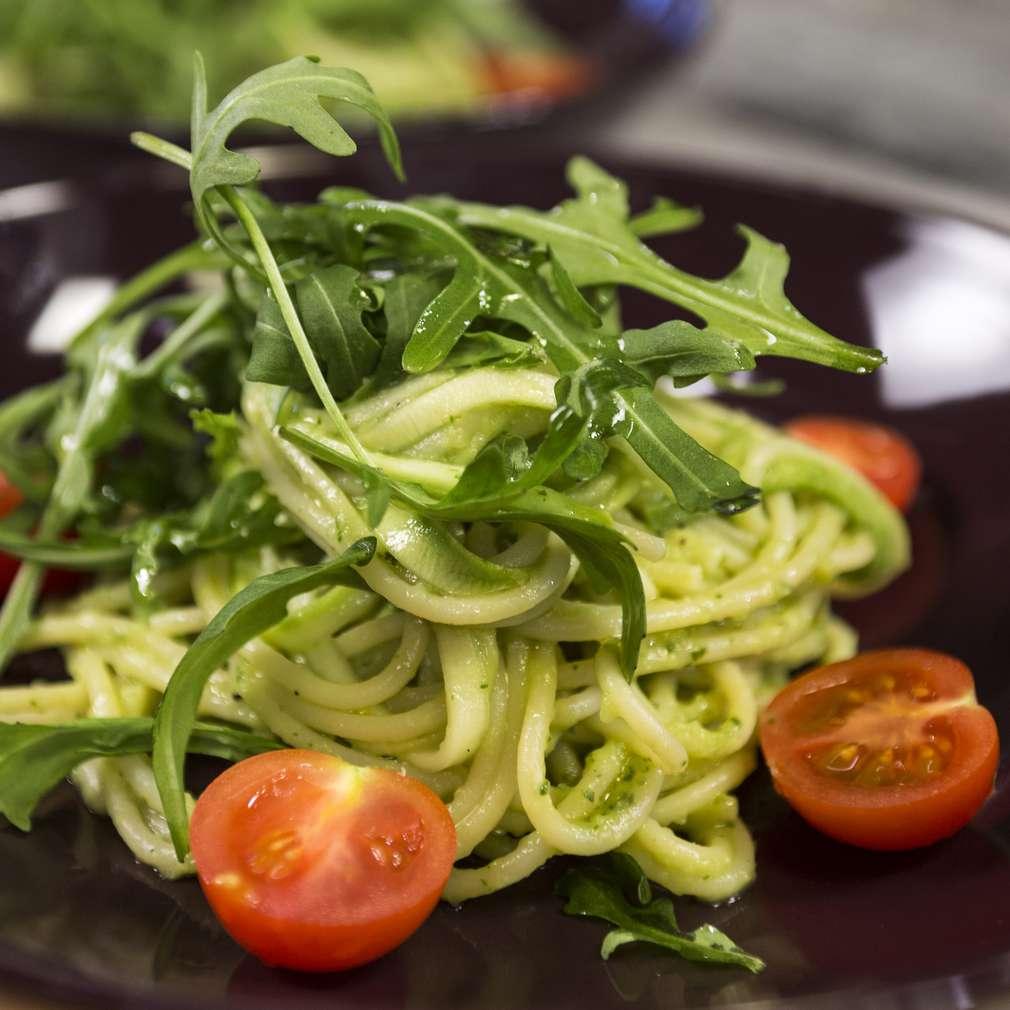 Изобразяване на рецептата Постни спагети със сос от авокадо