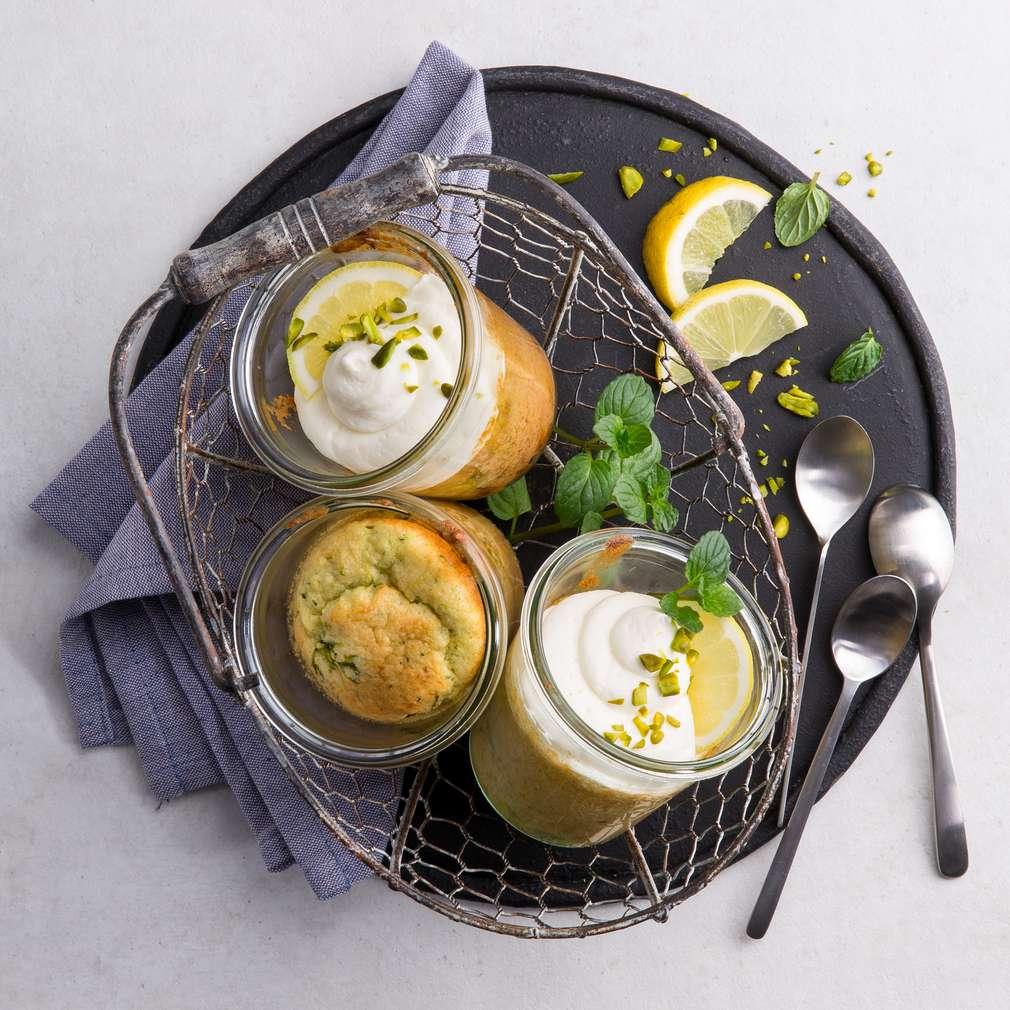 Abbildung des Rezepts Zucchini-Zitronenkuchen im Glas