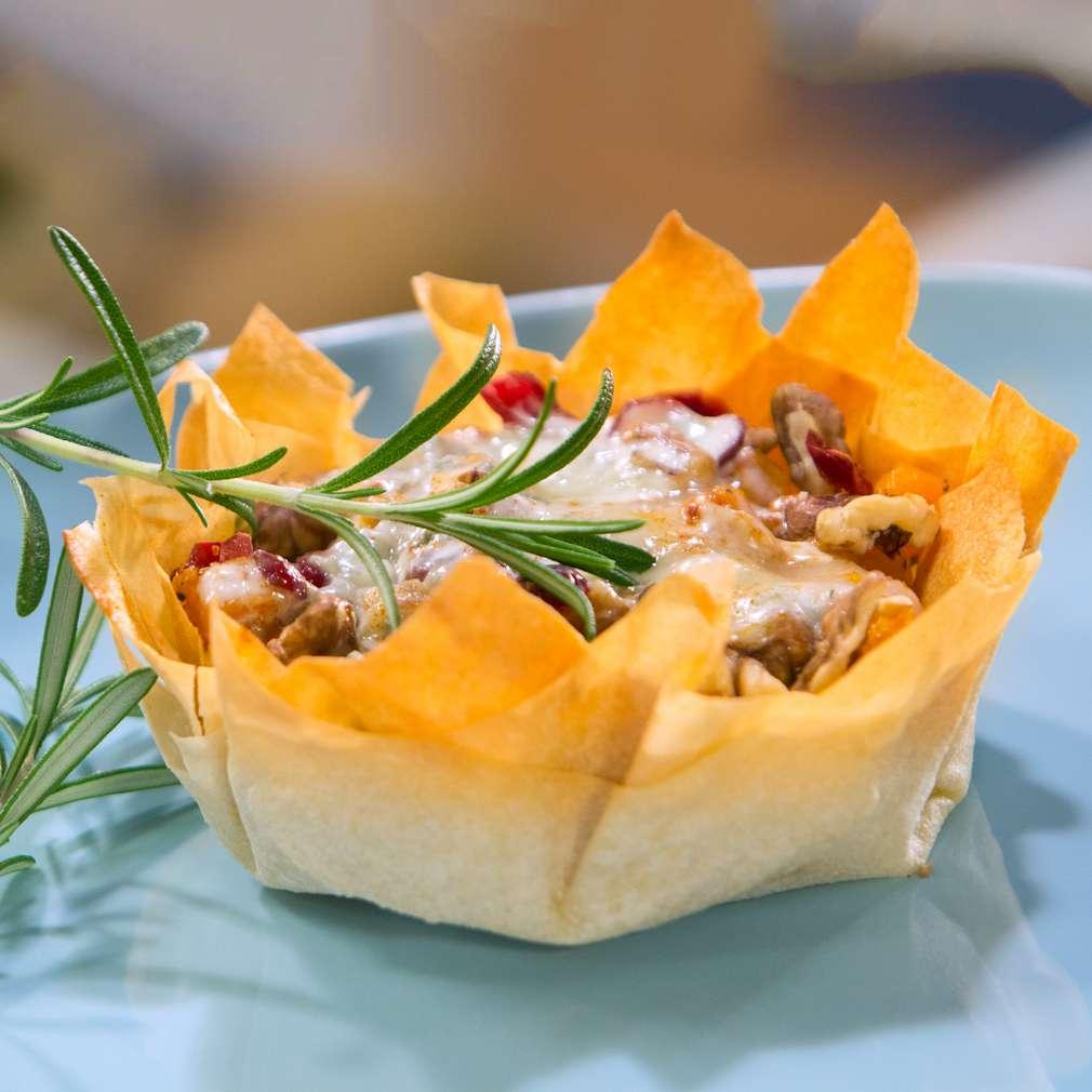 Изобразяване на рецептата Тиква със синьо сирене в хрупкави кошнички